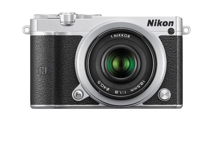Alla Nikon 1 J5 il prestigioso iF Design Award 2016