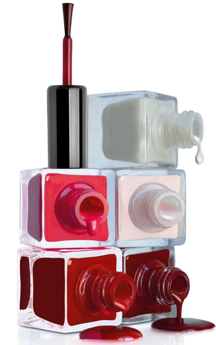 Perfettamente alla moda con la nuova linea trattamento e colore unghie Korff