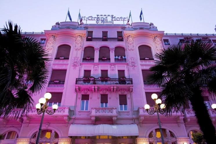 INDIMENTICABILE NOTTE ROSA NEI CINQUE STELLE DEL GRUPPO BATANI SELECT HOTELS