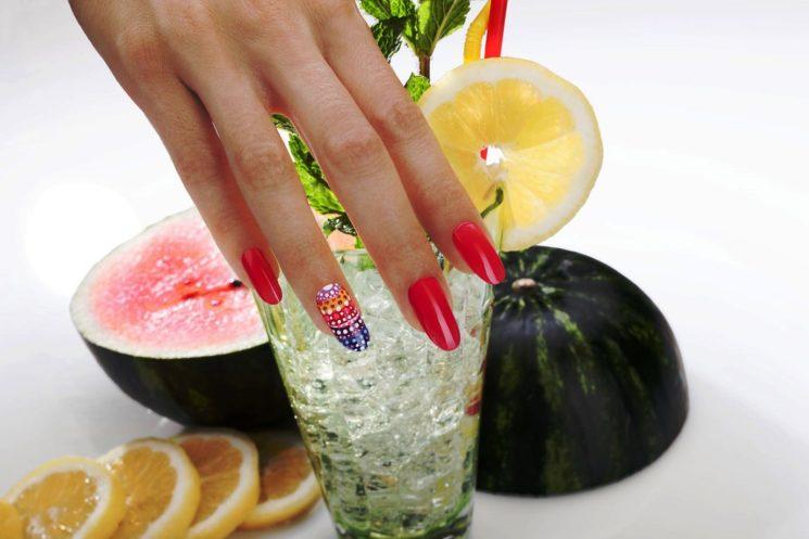Le Nail Art Estrosa per mani e piedi impeccabili e alla moda