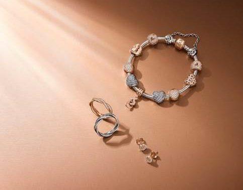 Nuovi design Pandora dalle delicate sfumature rosa