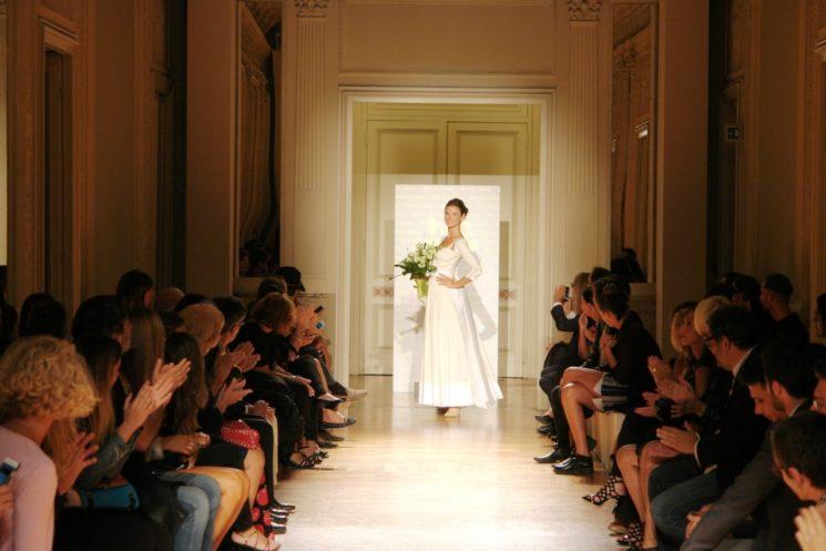 Un magico tour di eleganza la sfilata Reggiani a Milano Moda Donna