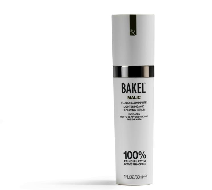 Malic, il fluido viso anti macchie e illuminante firmato Bakel