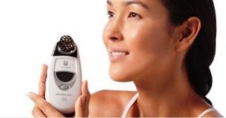 ageLOC Galvanic Spa System di Nu Skin, straordinario anti–age prêt-à-porter