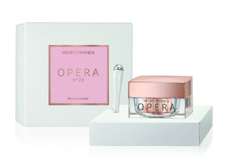 Per contrastare i segni del tempo OPERA N°20 Revive Cream di Mediterranea