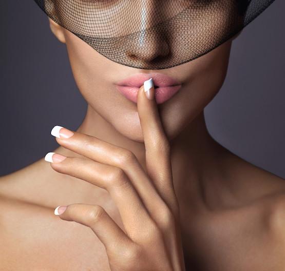 KISS per una manicure impeccabile e ciglia lunghissime