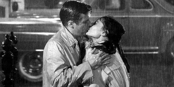 Secondo MioDottore.it in occasione del World Kiss Day, baciare riduce l'ansia e migliora il sonno