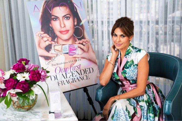 Eva Mendes testimonial della fragranza Eve Duet di Avon Cosmetics