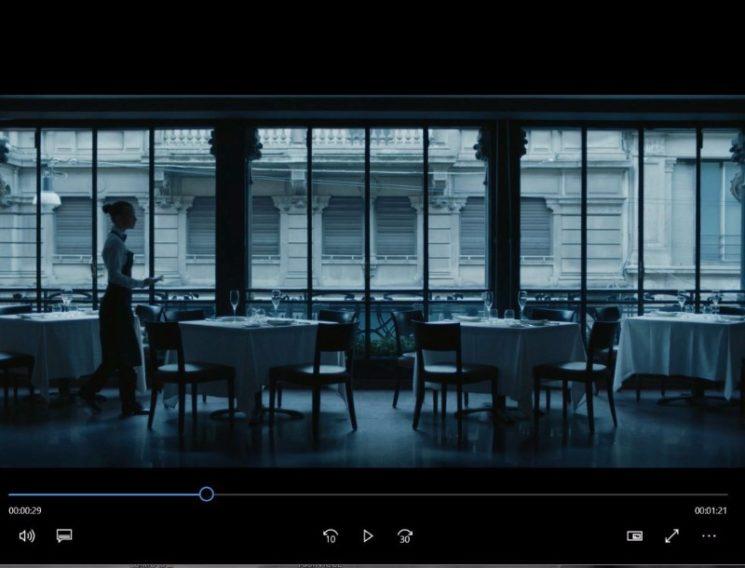 """Peck dietro le quinte nel film """"The Great Orchestra"""""""