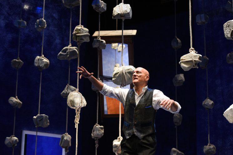 """Al Teatro degli Arcimboldi di Milano """"FATHER AND SON"""" con Claudio Bisio"""