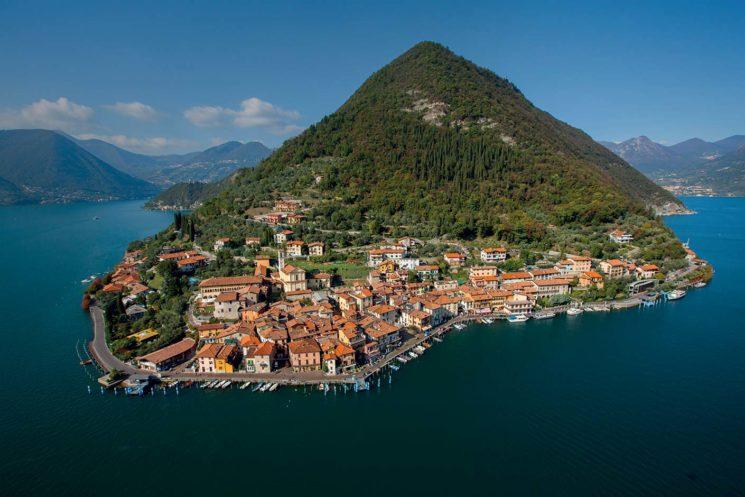 Si vota per il Borgo dei Borghi: Monte Isola in gara