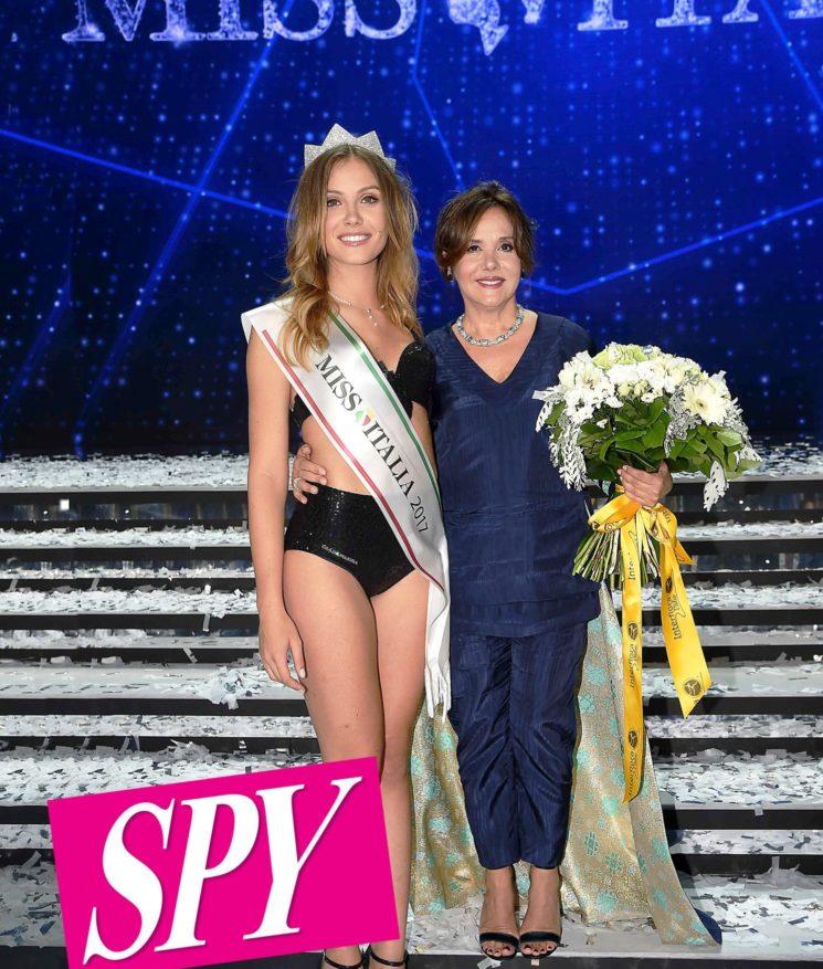 """Su Spy intervista esclusiva a Patrizia Mirigliani, organizzatrice di Miss Italia contraria a """"rivestire"""" le Miss come vogliono fare negli Usa"""