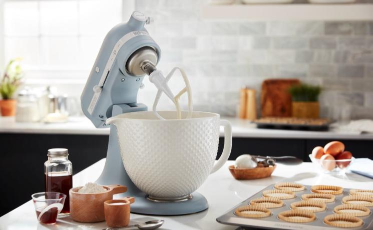 KitchenAid celebra 100 anni di storia con una Limited Edition del Robot da Cucina Artisan