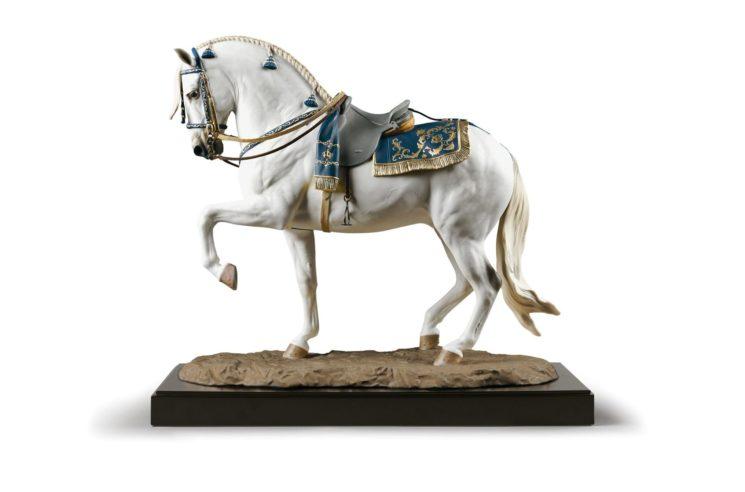 L'alta porcellana Lladrò rende omaggio al leggendario cavallo spagnolo