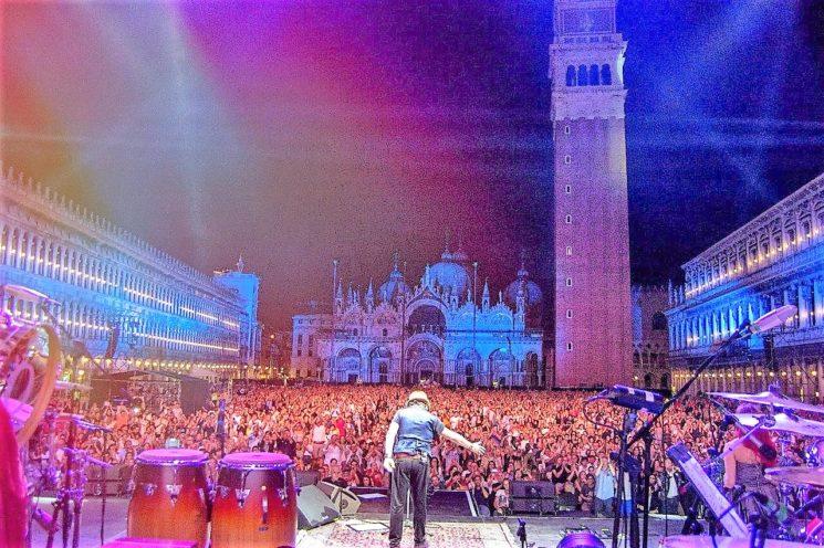 """""""Zucchero una notte a Venezia"""" in onda il 1° gennaio dalle 19.40 su Rai 2"""