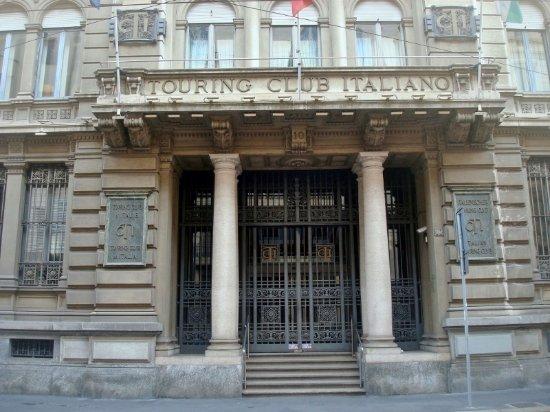 Indagine del Centro Studi TCI: il 64% degli Italiani partirà per le vacanze natalizie
