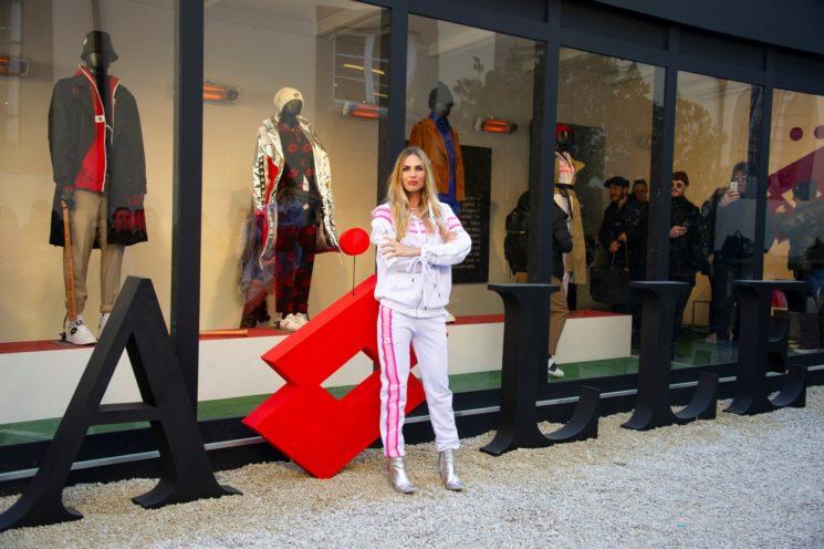 Ilary Blasi a Pitti Uomo 95 per il brand Gaelle Paris e Lotto