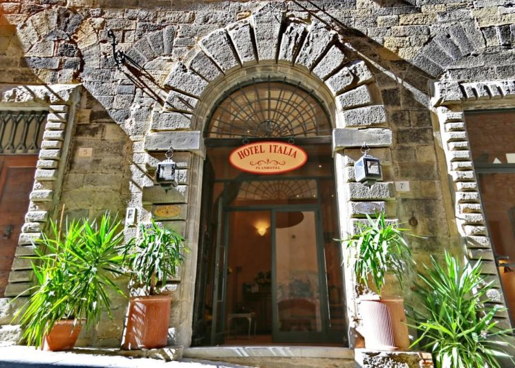 Hotel Italia, un palazzo storico a Cortona per un'esperienza indimenticabile