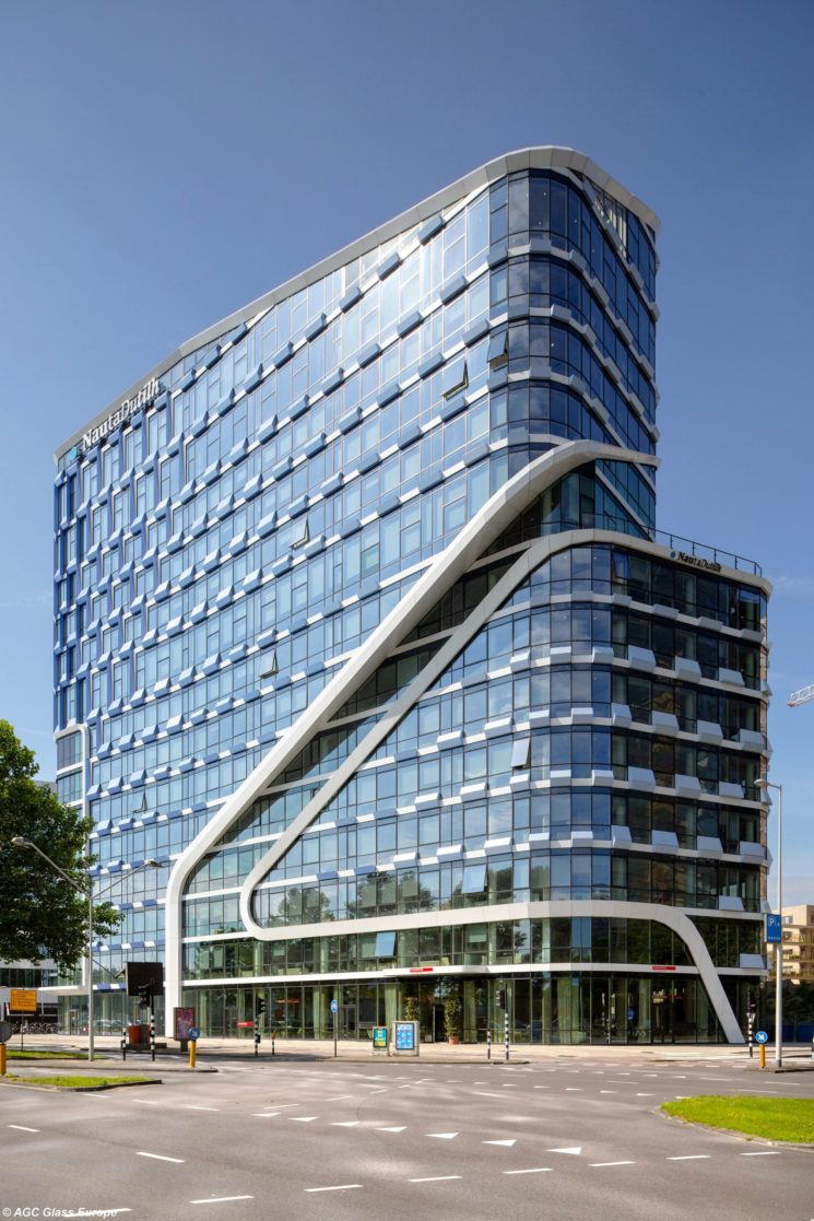 AGC Glass firma le vetrate esterne del Nautadulith di Amsterdam