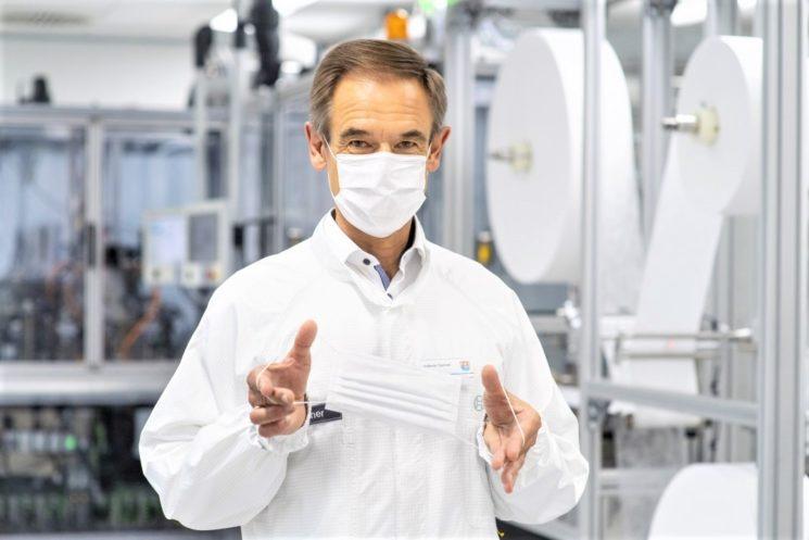 Bosch avvia la produzione di mascherine protettive completamente automatizzate