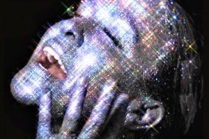 """Alanis Morissette: il 31 luglio esce l'album """"Such pretty forks in the road"""""""