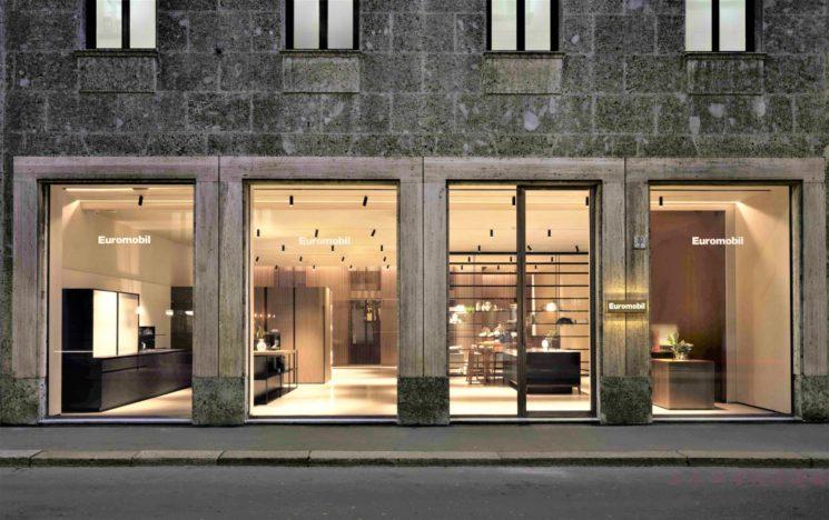 Apre a Milano il primo flagship store Euromobil