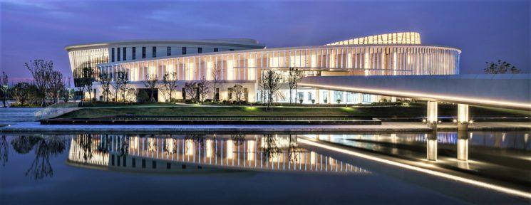 Il Jiu Ke Shu Future Art Center, polo culturale di Shanghai illuminato da iGuzzini