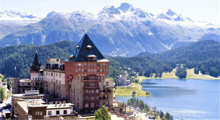 """Al Badrutt's Palace Hotel di St. Moritz il premio Travel + Leisure """"World's Best Award"""" come miglior hotel in Svizzera"""