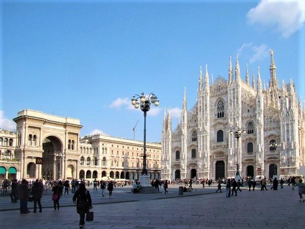 Le città che leggono di più secondo Amazon.it: è Milano la regina della lettura. Seguono Roma e Torino