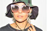 A caccia di occhiali da sole