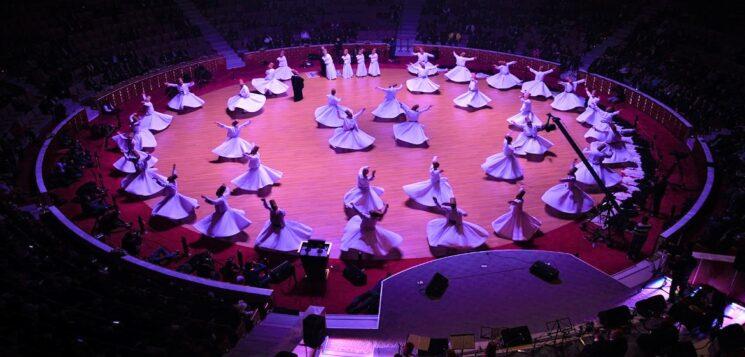 In Turchia, a Konya, la cerimonia Seb-I-Arus commemora Rūmī