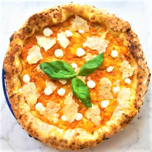 Da Pizzium nuova pizza Primula, un invito alla rinascita