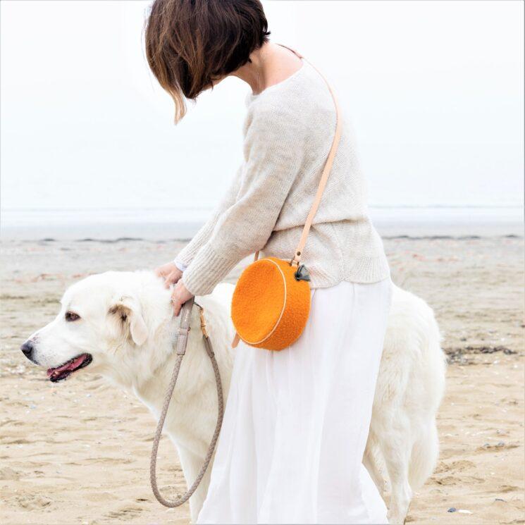 2.8 design for dogs: la pochette tamburello Mini Margaret dog friendly