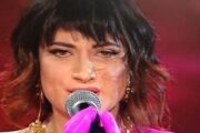 Sanremo 2021: hairlook de La Rappresentante di Lista by Compagnia della Bellezza per L'Oréal Professionnel