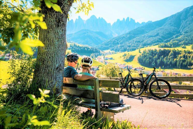 Vacanze in Alto Adige nella natura dove con la bici il distanziamento è garantito