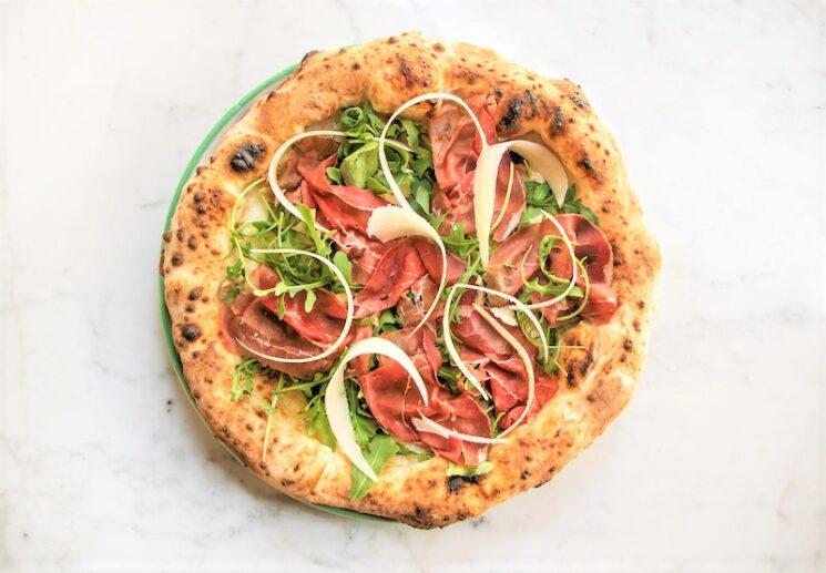 PIZZIUM riapre con le novità dell'estate: pizze regionali e Bufalina senza lattosio