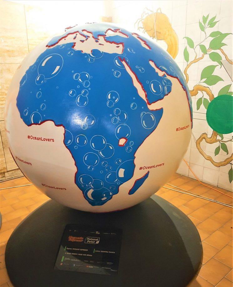 Weplanet-100 globi per un futuro sostenibile