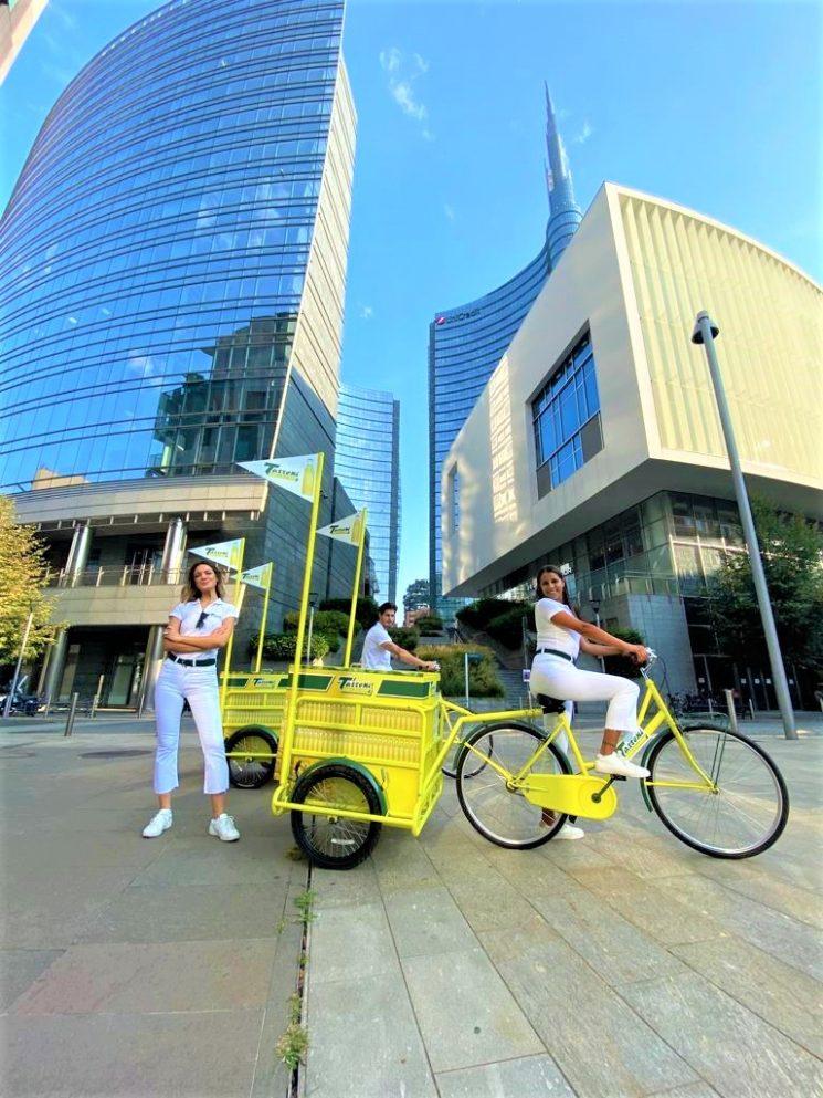 Tassoni in giro per Milano con due cargo bike gialle